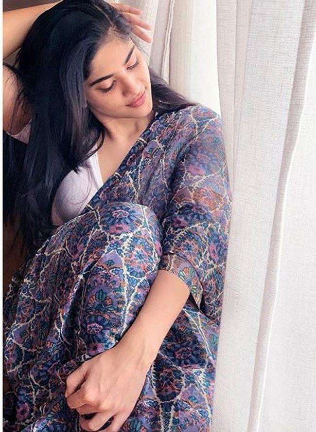 Megha Akash New Insta Images
