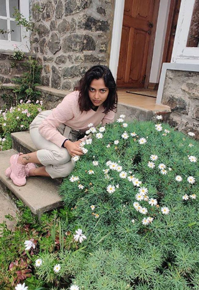Amala Paul Looking Adorable