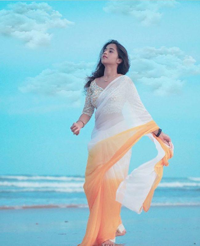 Deepthi Sunaina Latest Insta Stills