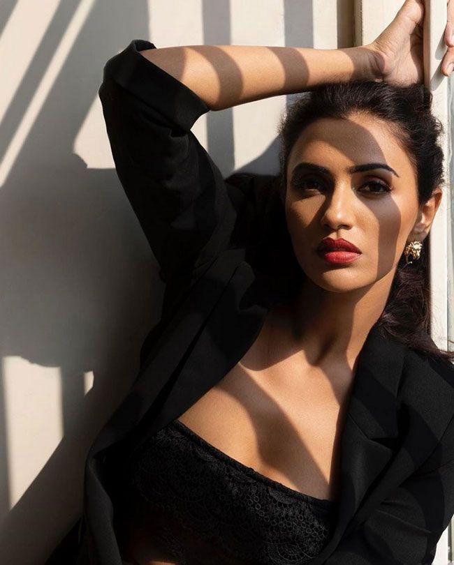 Akshara Gowda Gorgeous Snaps