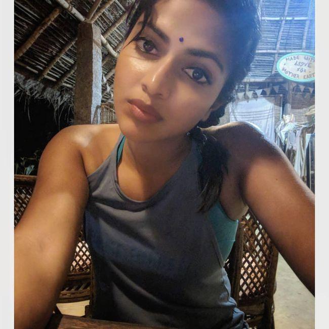 Amala Paul Mesmerizing Selfies