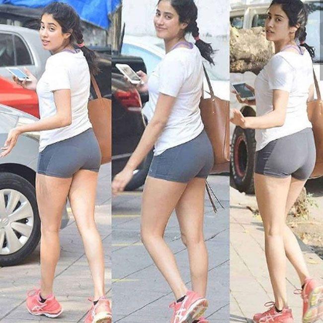 Janhvi Kapoor Insta Pictures