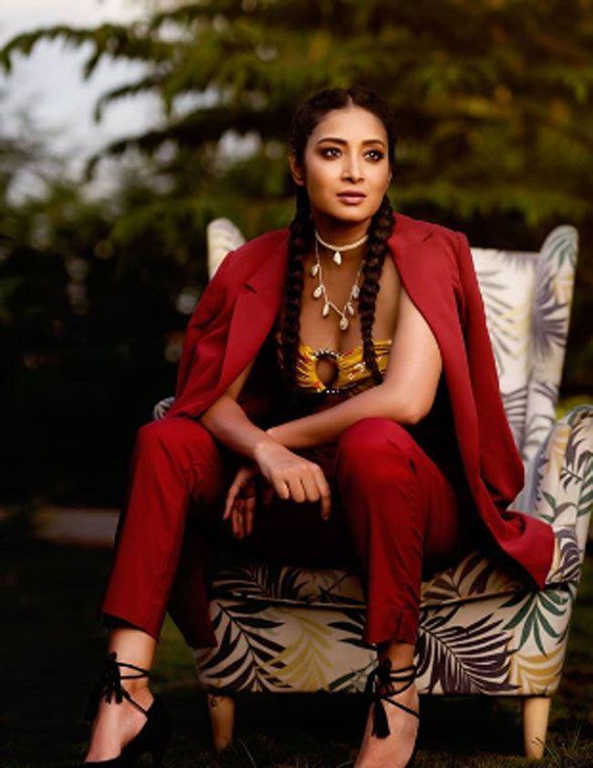 Bhanu shree Beautiful Instagram stills