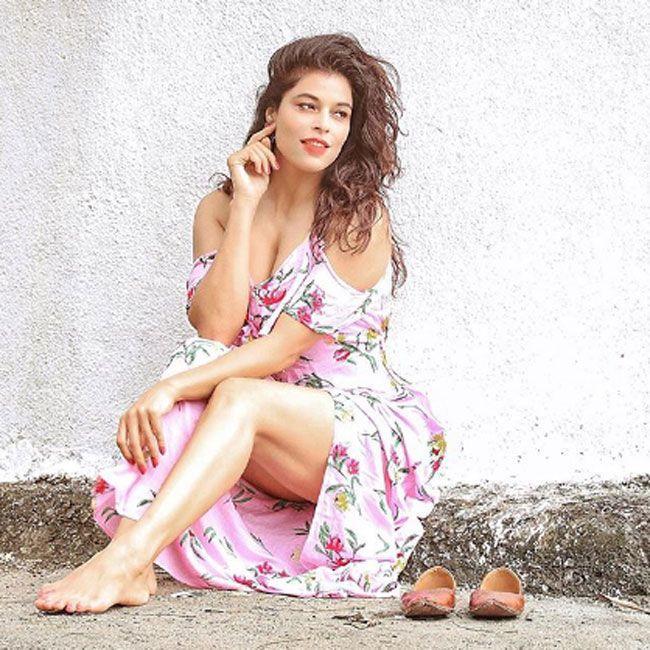 Sheeva Rana Adorable Photos Collection