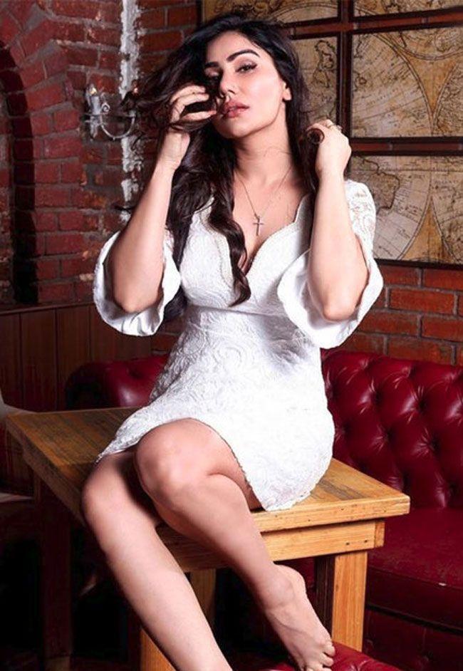 Kangna Sharma Gorgeous Photos