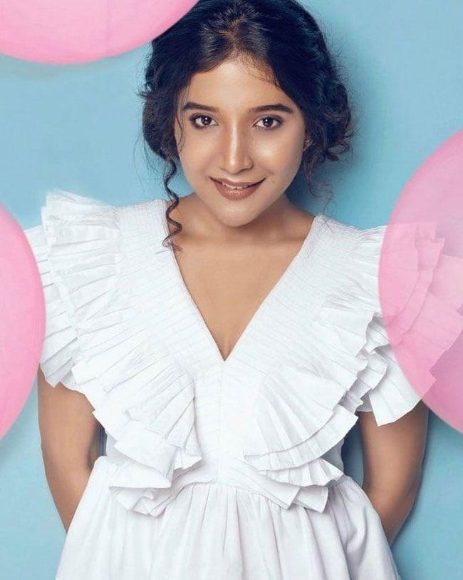 Sakshi Agarwal Photos Album