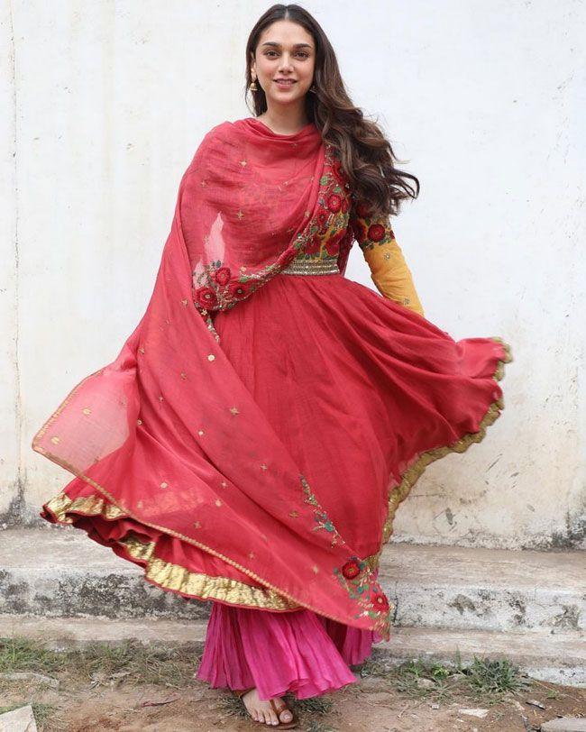 Aditi Rao Hydari Beautiful Pictures