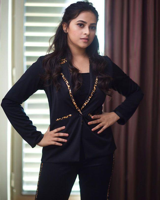 Sri Divya Looking Beautiful In Black Dress