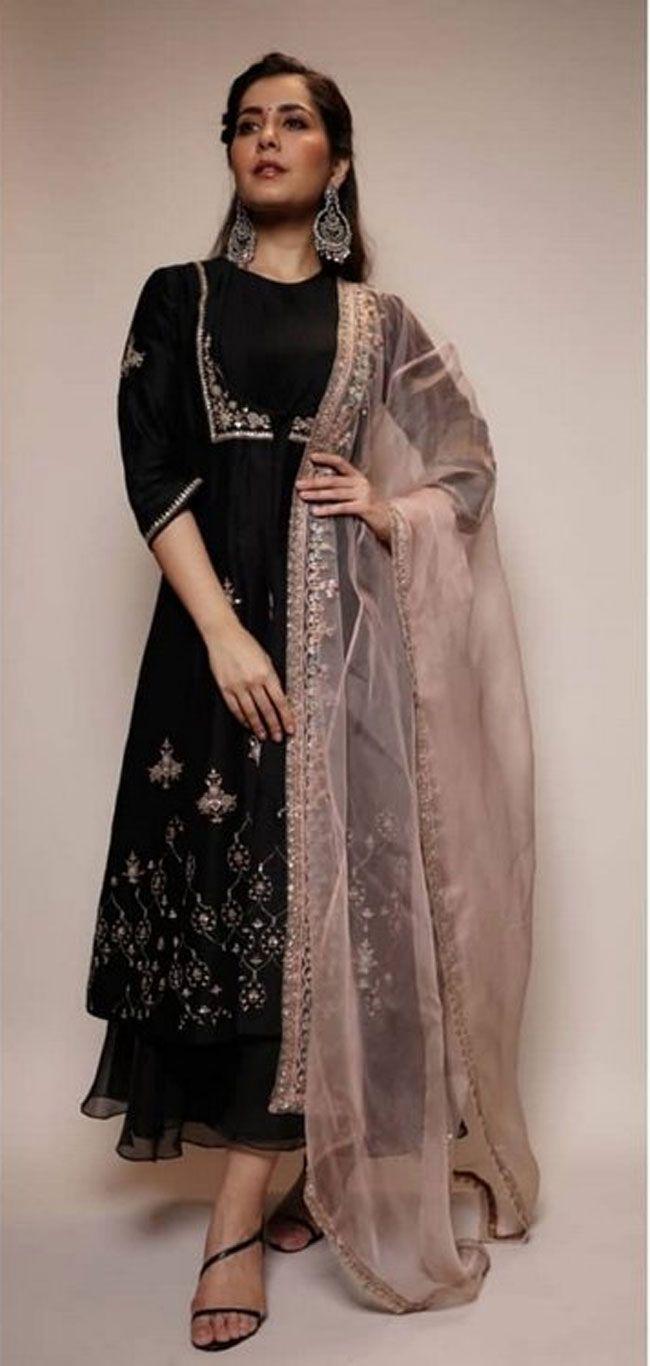 Raashi Khanna Gallery Photos