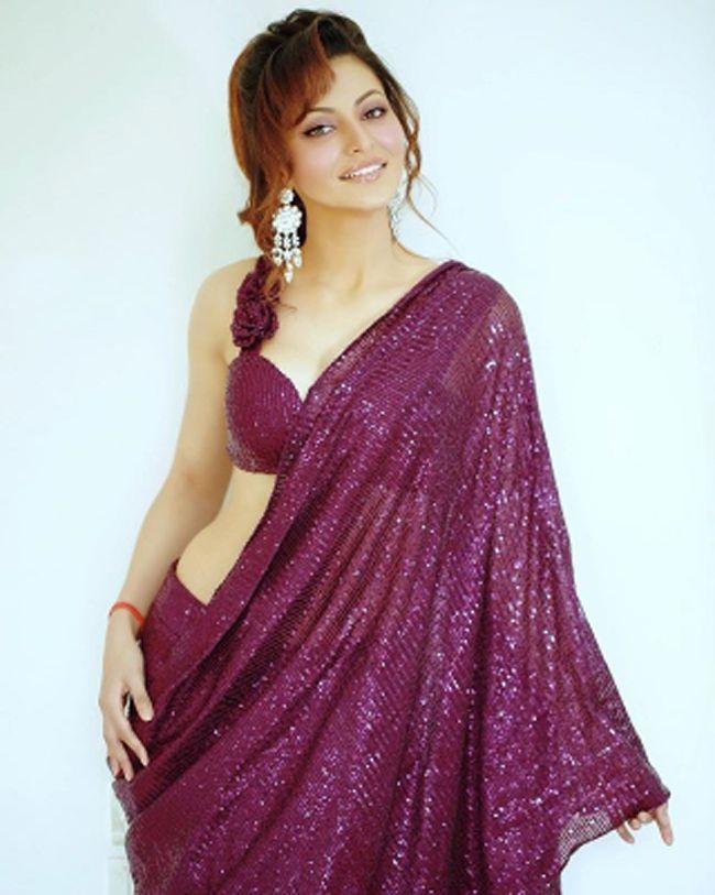 Urvashi Rautela Latest Insta Pictures