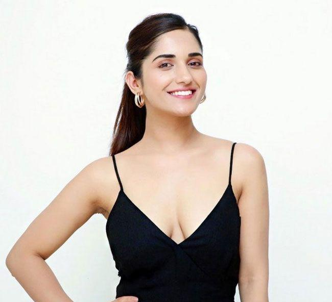 Ruhani Sharma Looking Gorgeous