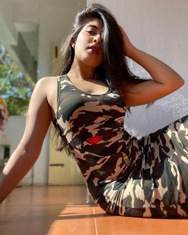 Nikita Sharma Beautiful Insta Pics
