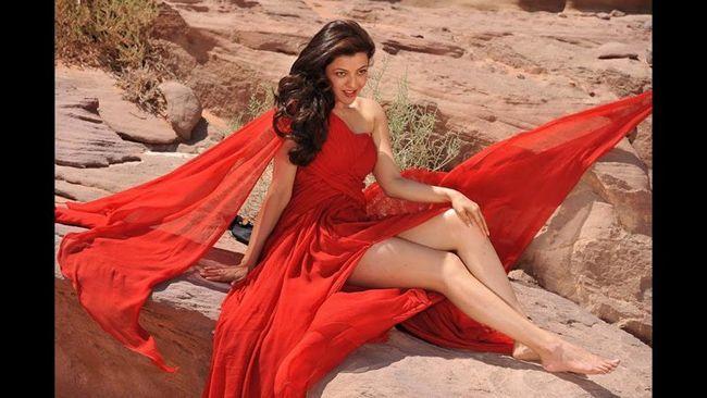 Kajal Aggarwal Looking Gorgeous In Red