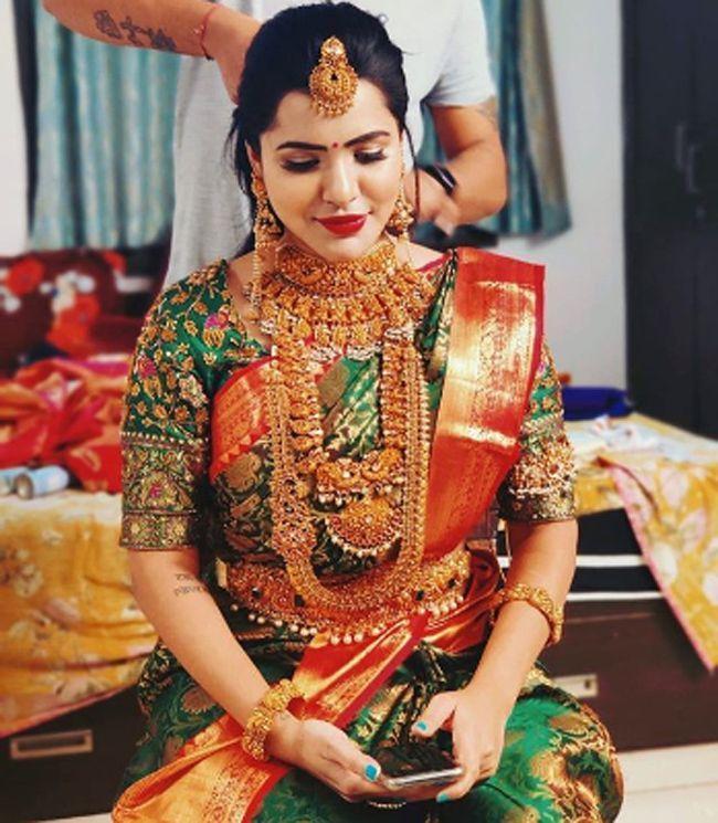 Ashu Reddy Latest Instagram Images