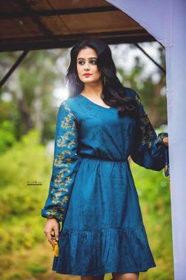 Priyamani Looking pretty In New Photoshoot