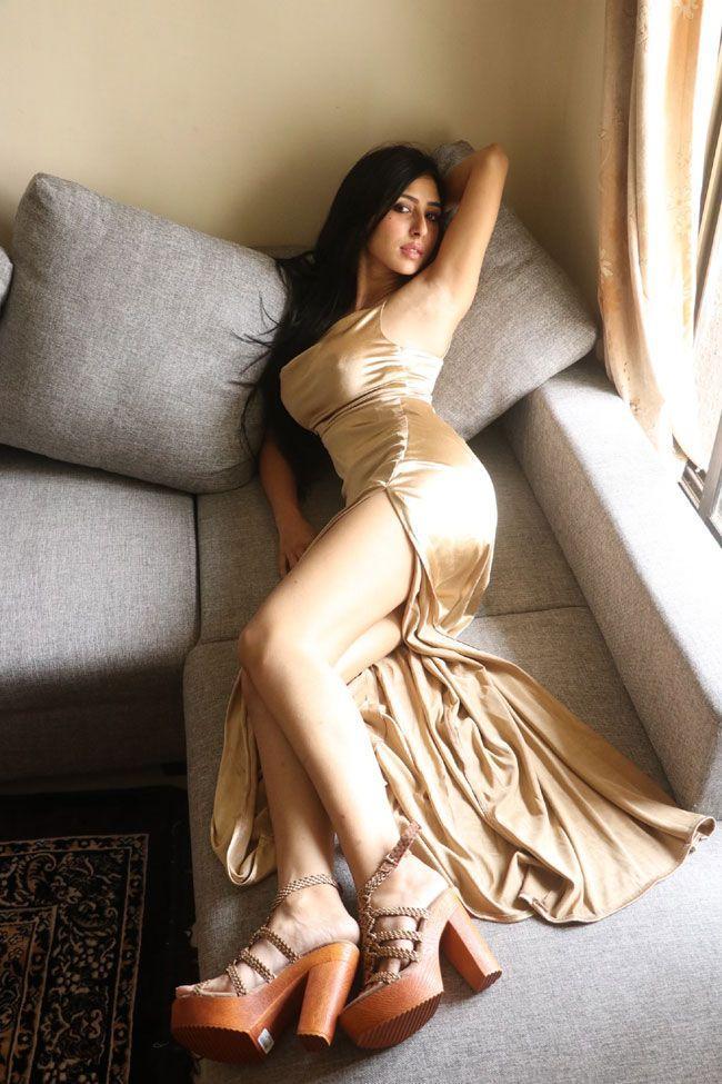 Kapilakshi Malhothra Trendy And Stylish Photoshoot