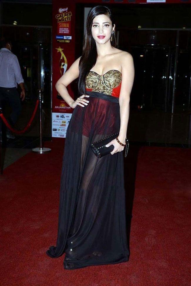 Glamorous Actress Shruthi Hassan Hd Photos