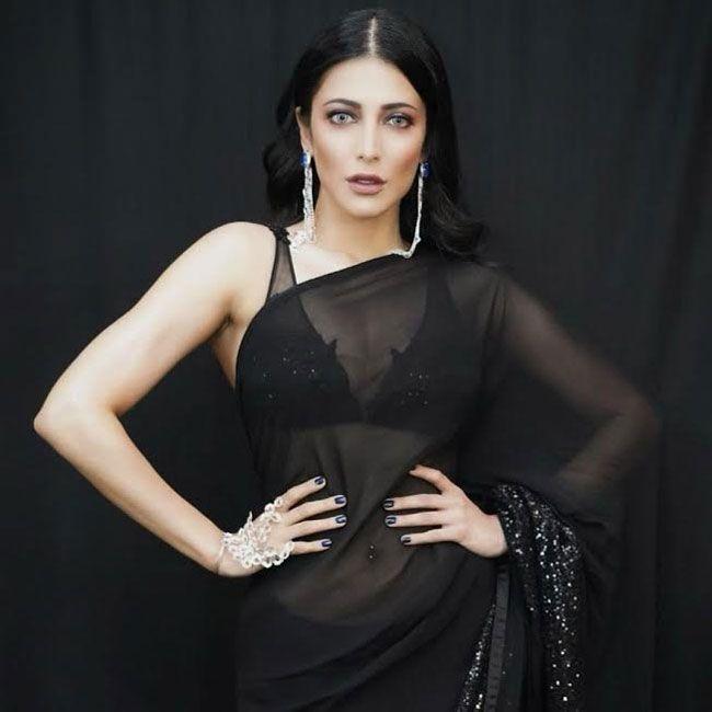 Shruthi Hassan Stunning People With Her Black Saree Stills