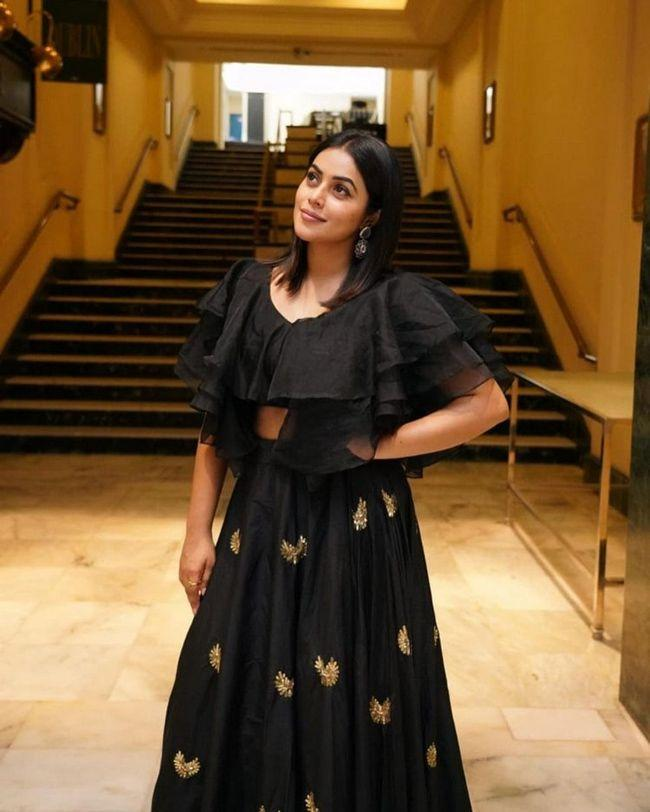 Poorna Looking Gorgeous In Black