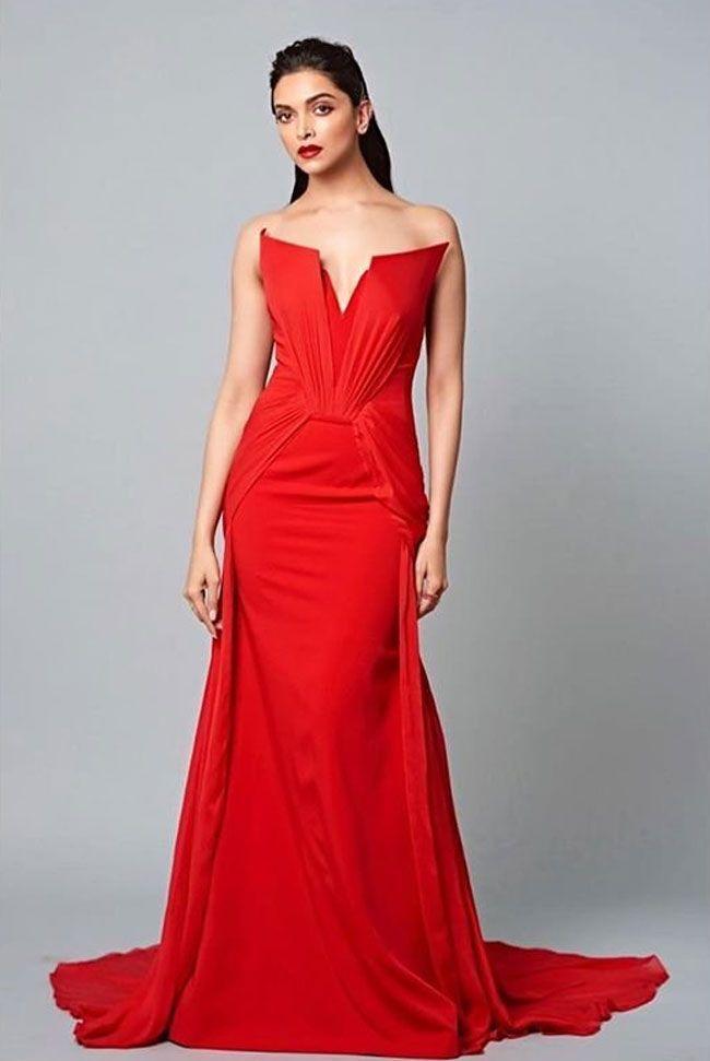 Bollywood Beauty Deepika Padukon Gorgeous Photos