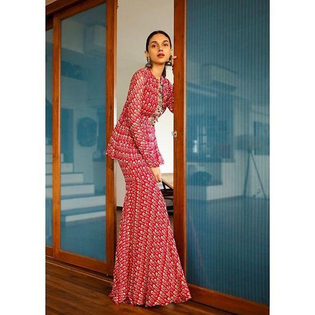 Aditi Rao Hydari Beauty Clicks