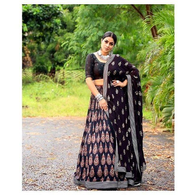 Poorna Looking Beautiful In Black