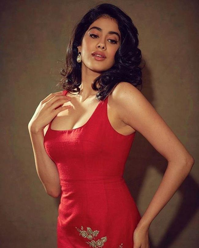Janhvi Kapoor Latest Instagram Images
