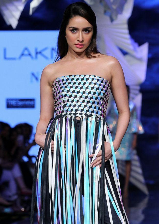 Shraddha Kapoor Looking Glamorous