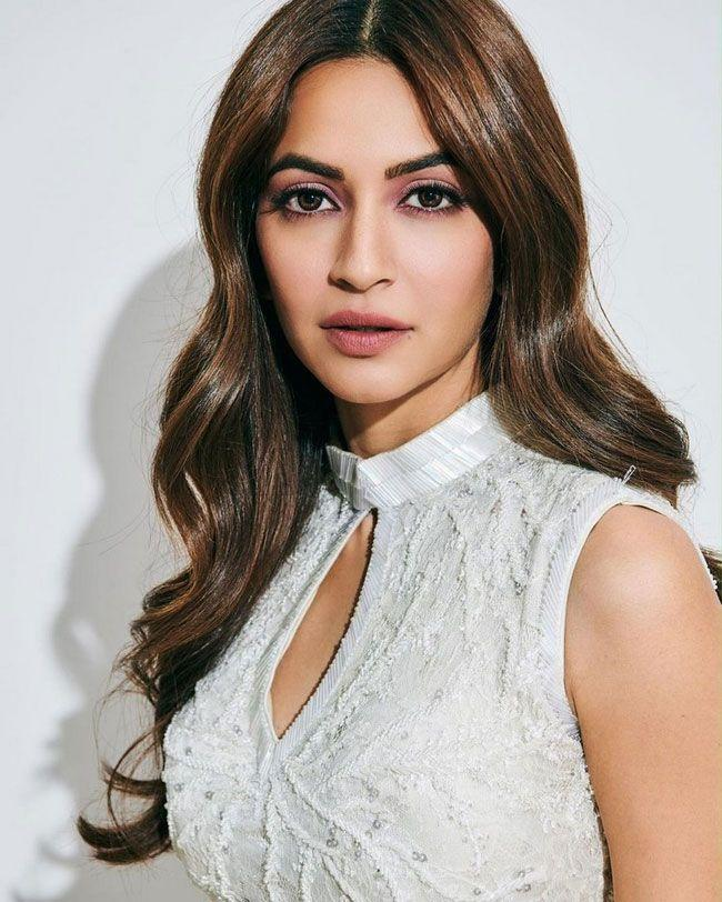 Kriti Kharbanda posed for photos in a different styles