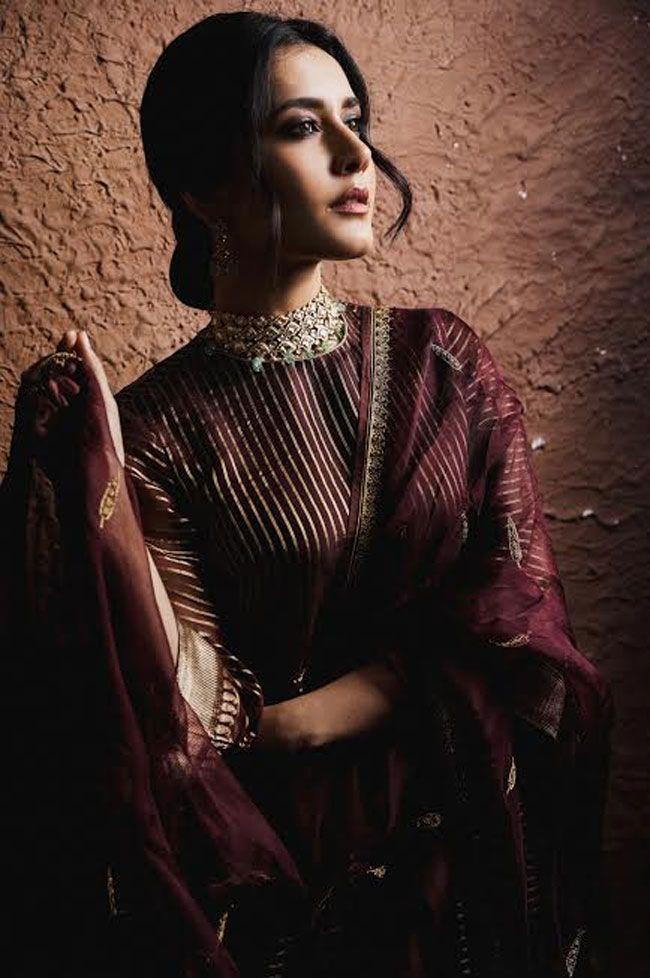 Raashi Khanna Flaunts Her Dark Moody Photoshoot