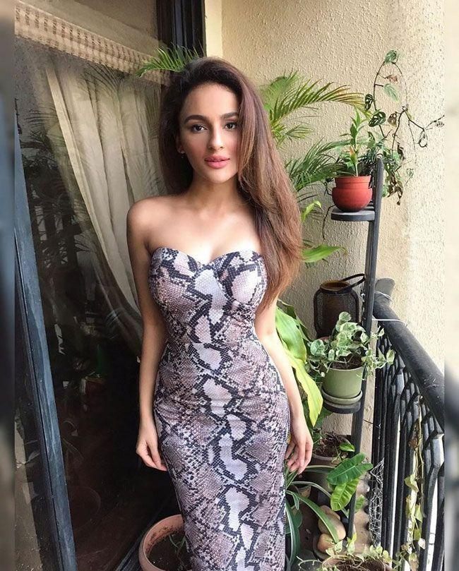Seerat Kapoor Trendy And Stylish Pics