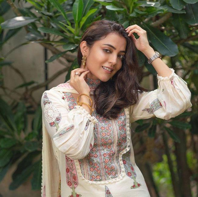 Nisha Aggarwal posed for photos with different outfits