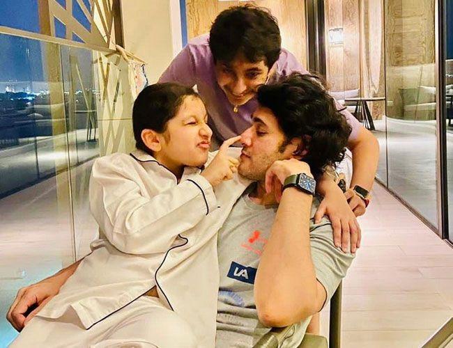 Mahesh Enjoying With His Family