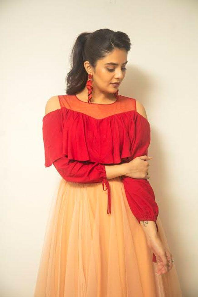 Sreemukhi Latest Shoot Pics