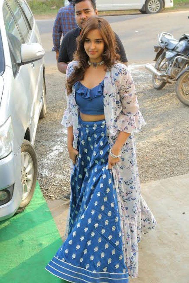 Actress Pujitha Ponnada Inaugurates BeYou Salon at Bhimavaram