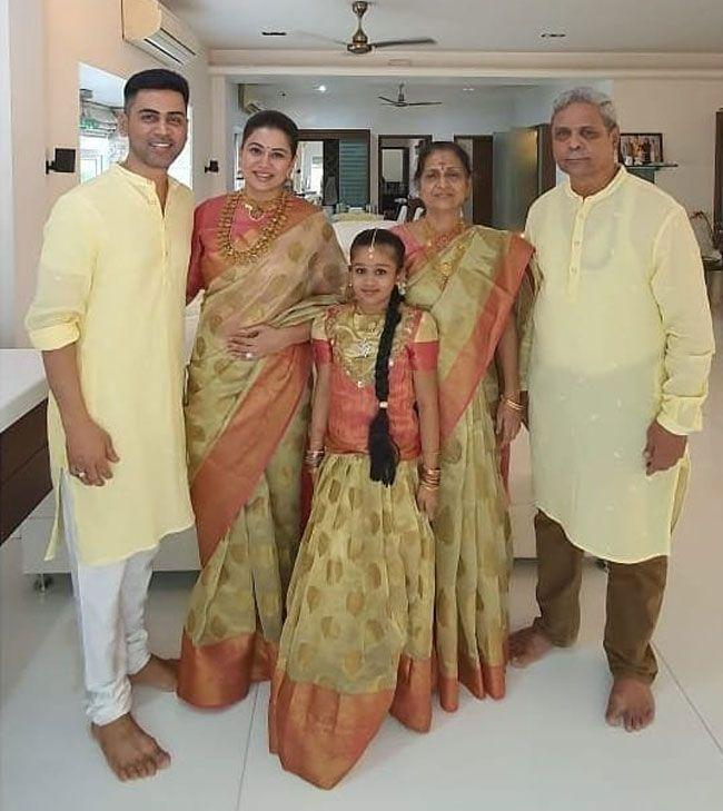 Actress Sangeetha Latest Photos With Her Family