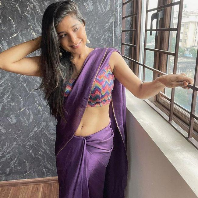 Sakshi Agarwal Trendy Saree Looks