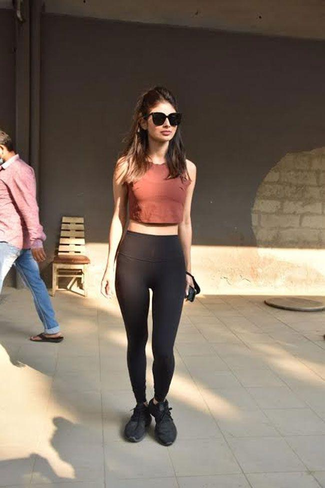 Mouni roy snapped at dance class andheri
