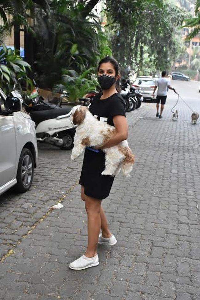 Sophie Chaudhary With Her Pet at Bandra