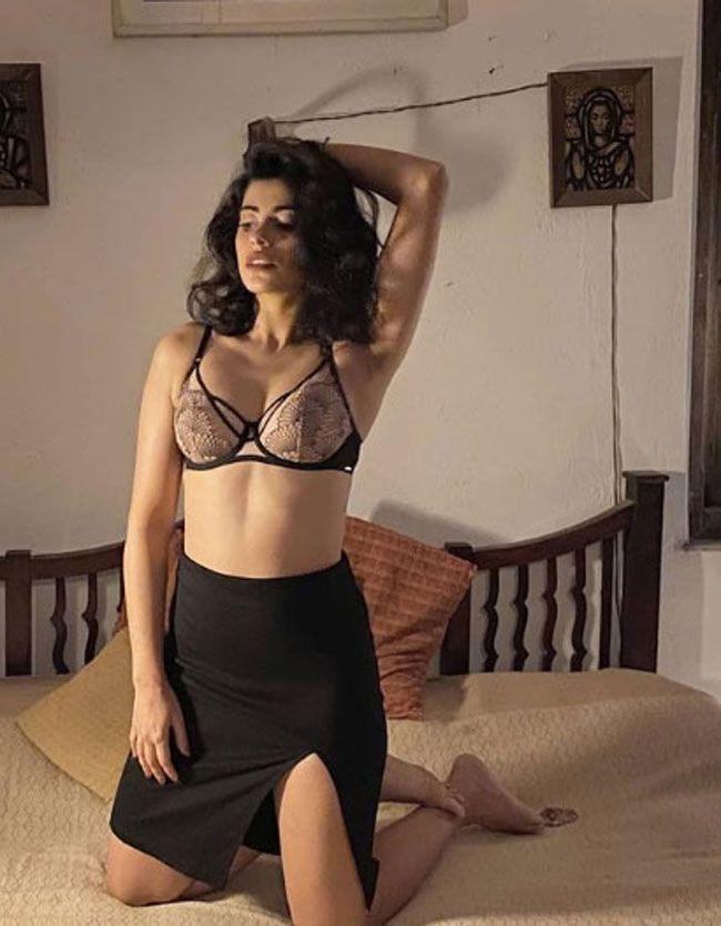 Anisha Victor Latest Photos Collection