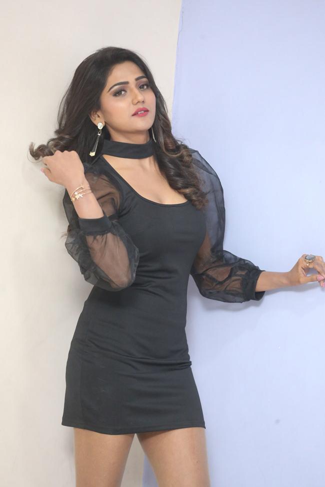 Shalu Chourasiya New Pics
