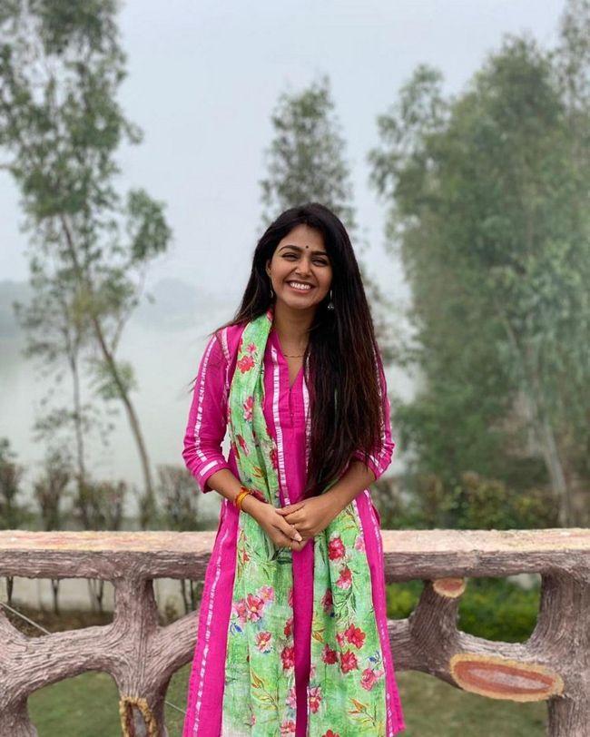 Monal Gajjar Beauty Clicks