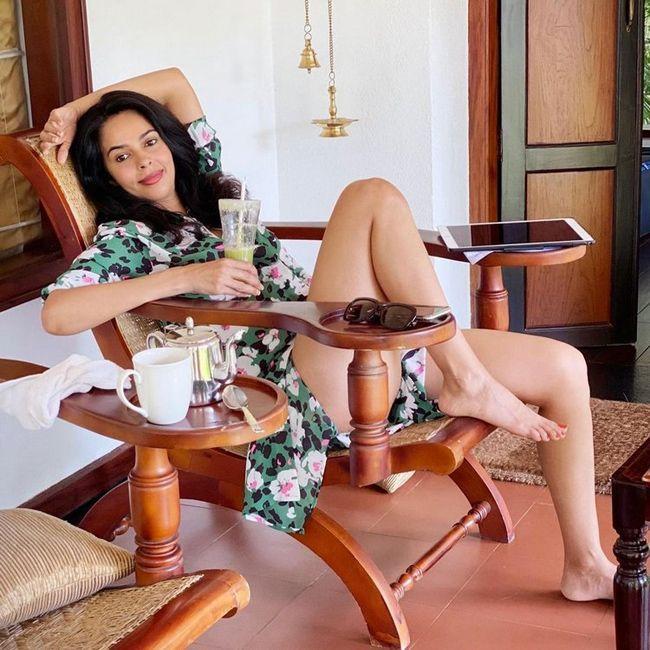 Mallika Sherawat Mesmerizing Pictures
