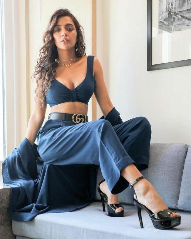 Ruhi Singh Stunning Images