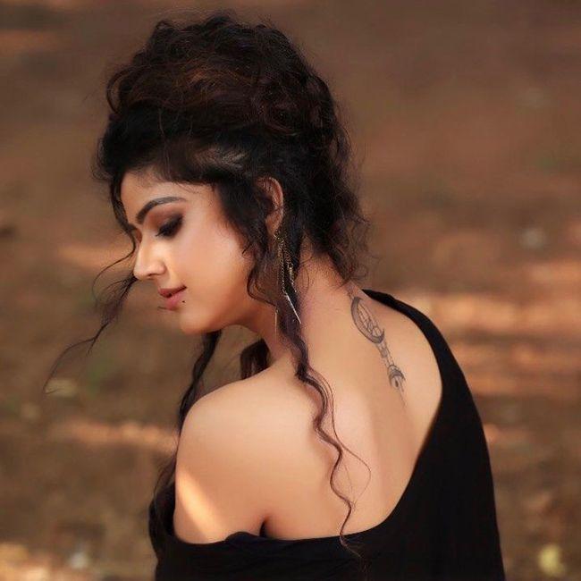 Soniya Bansal Latest Instagram Pics