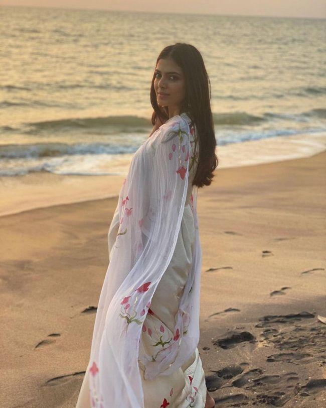 Malavika Mohanan Mesmerizing Looks