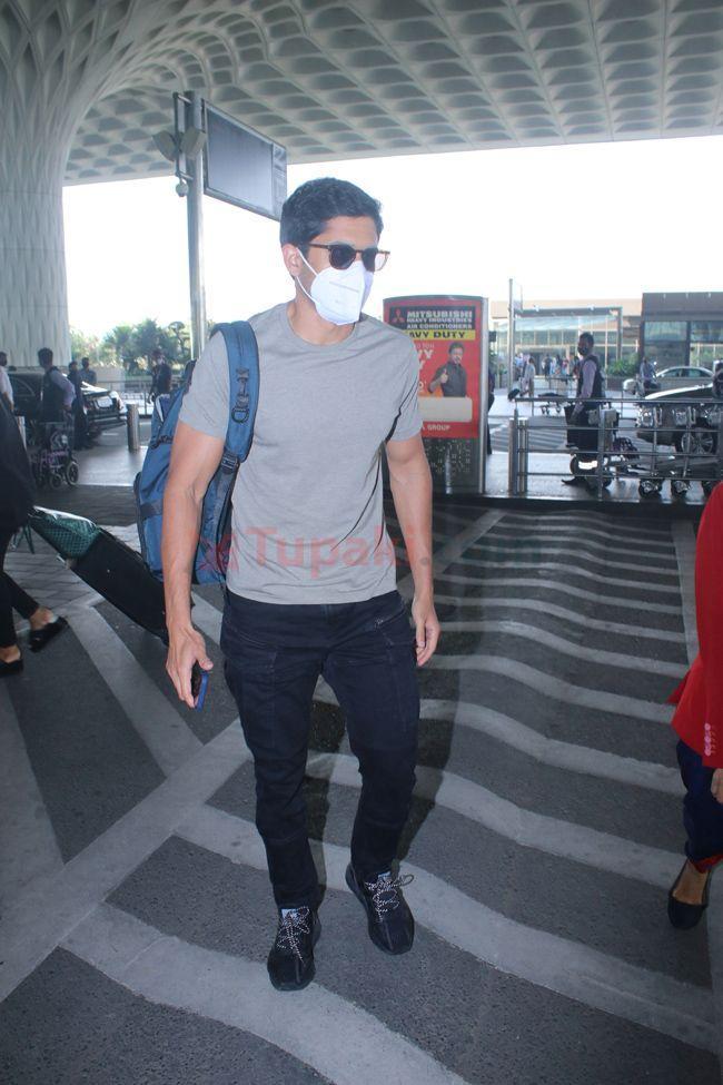 Nagachaitanya spotted at airport departure