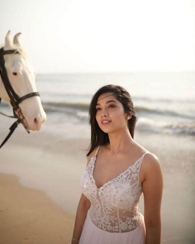 Digangana Suryavanshi Flaunts Her Beauty On The Beach