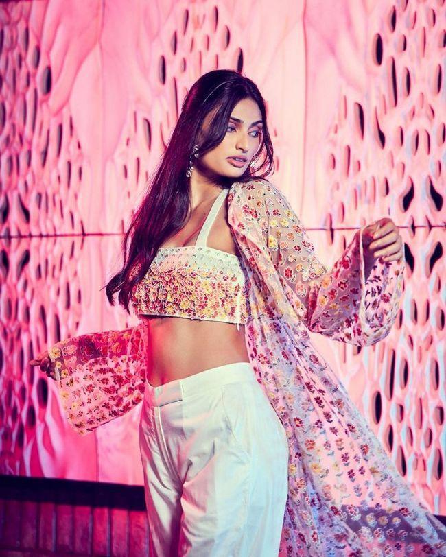 Athiya Shetty Awesome Stills