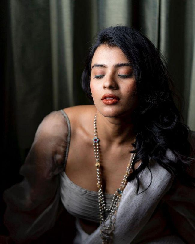 Hebah Patel Latest Photos
